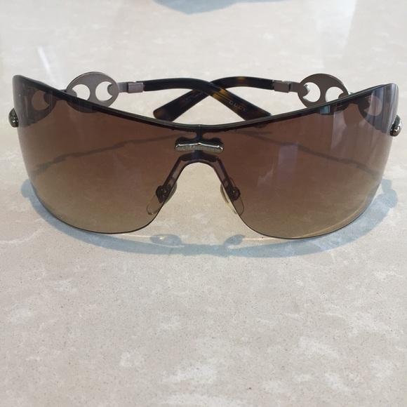 771dd9e9db7 Gucci Accessories - Gucci Rimless Shield Sunglasses